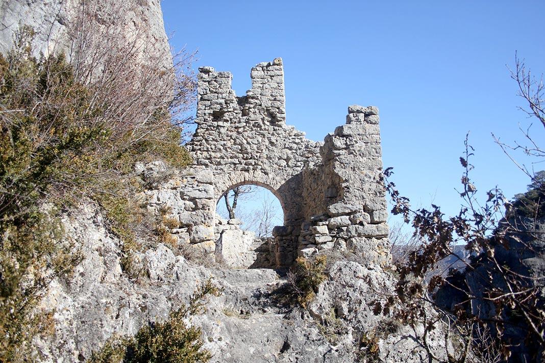 Saint-Pierre de Revel (La Roque-Sainte Marguerite, causse du Larzac) - Millavois.com